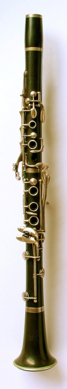 Clarinet. Nominal pitch: B♭ (Louis & Co.) : TOP