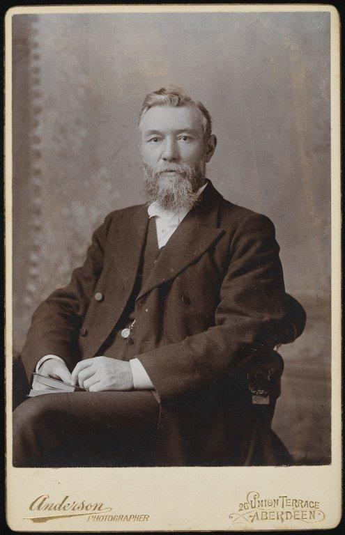 Photo of Robert Laws